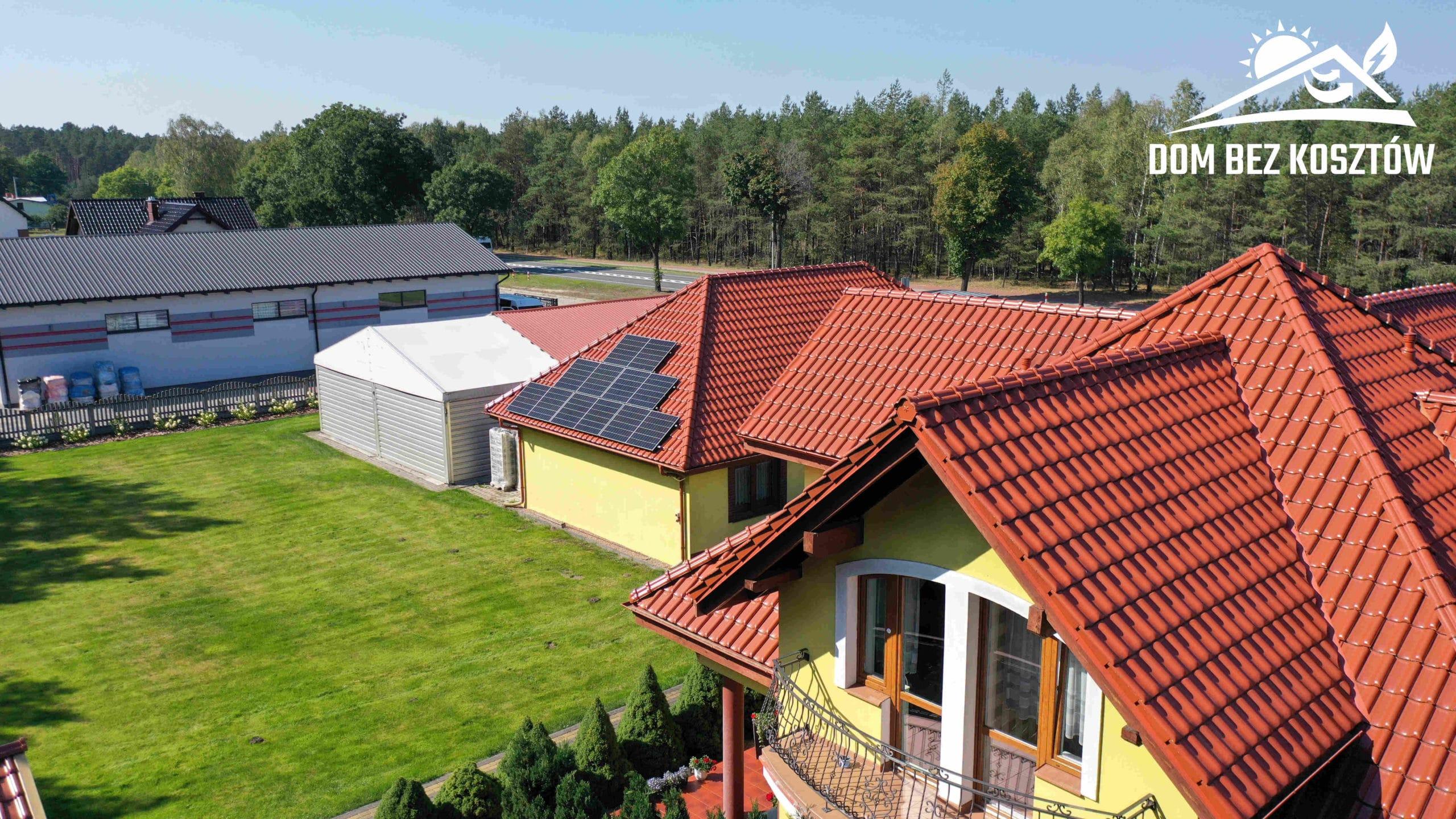 Instalacja fotowoltaiczna o mocy 10 kWp na dachu domu jednorodzinnego w Gutowcu