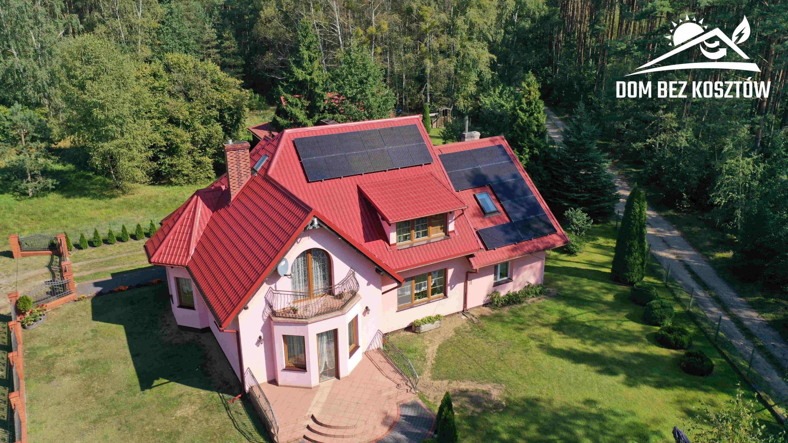 Instalacja fotowoltaiczna o mocy 6,5 kWp na dachu domu jednorodzinnego w Łęgu