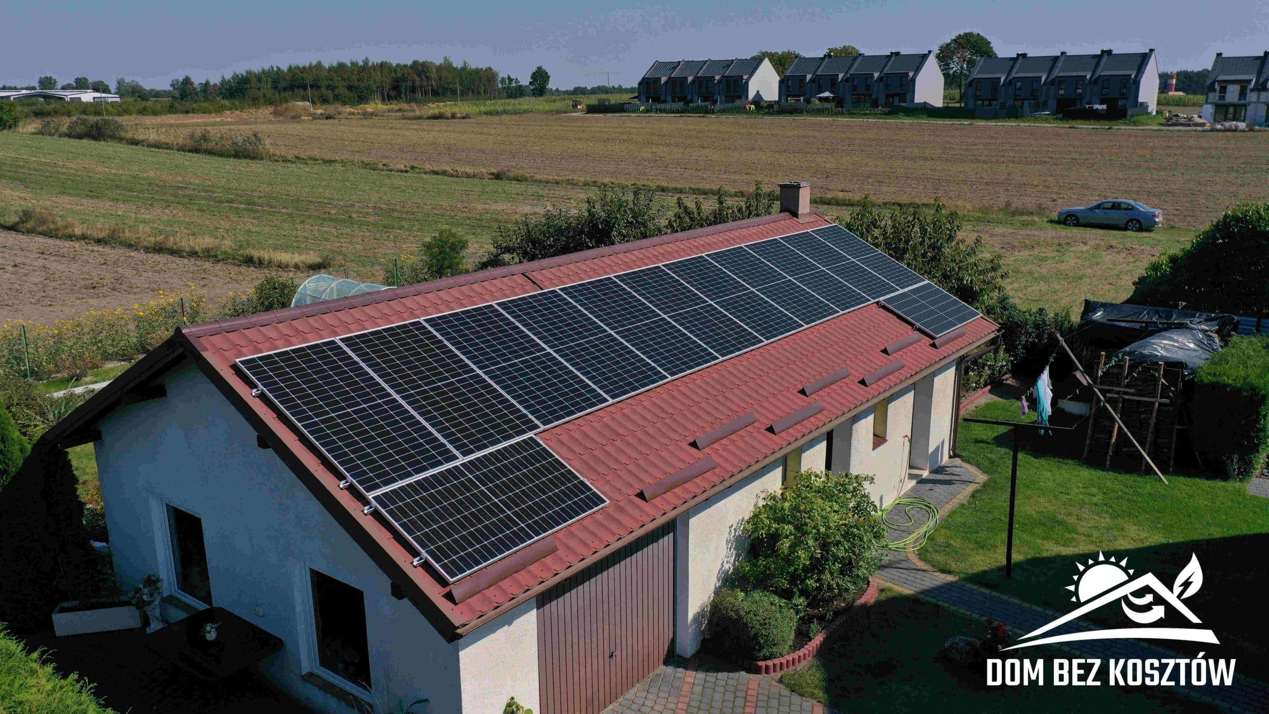 Instalacja fotowoltaiczna o mocy 6,5 kWp na dachu budynku gospodarczego w Czersku